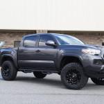 Leveled 2016 Toyota Tacoma