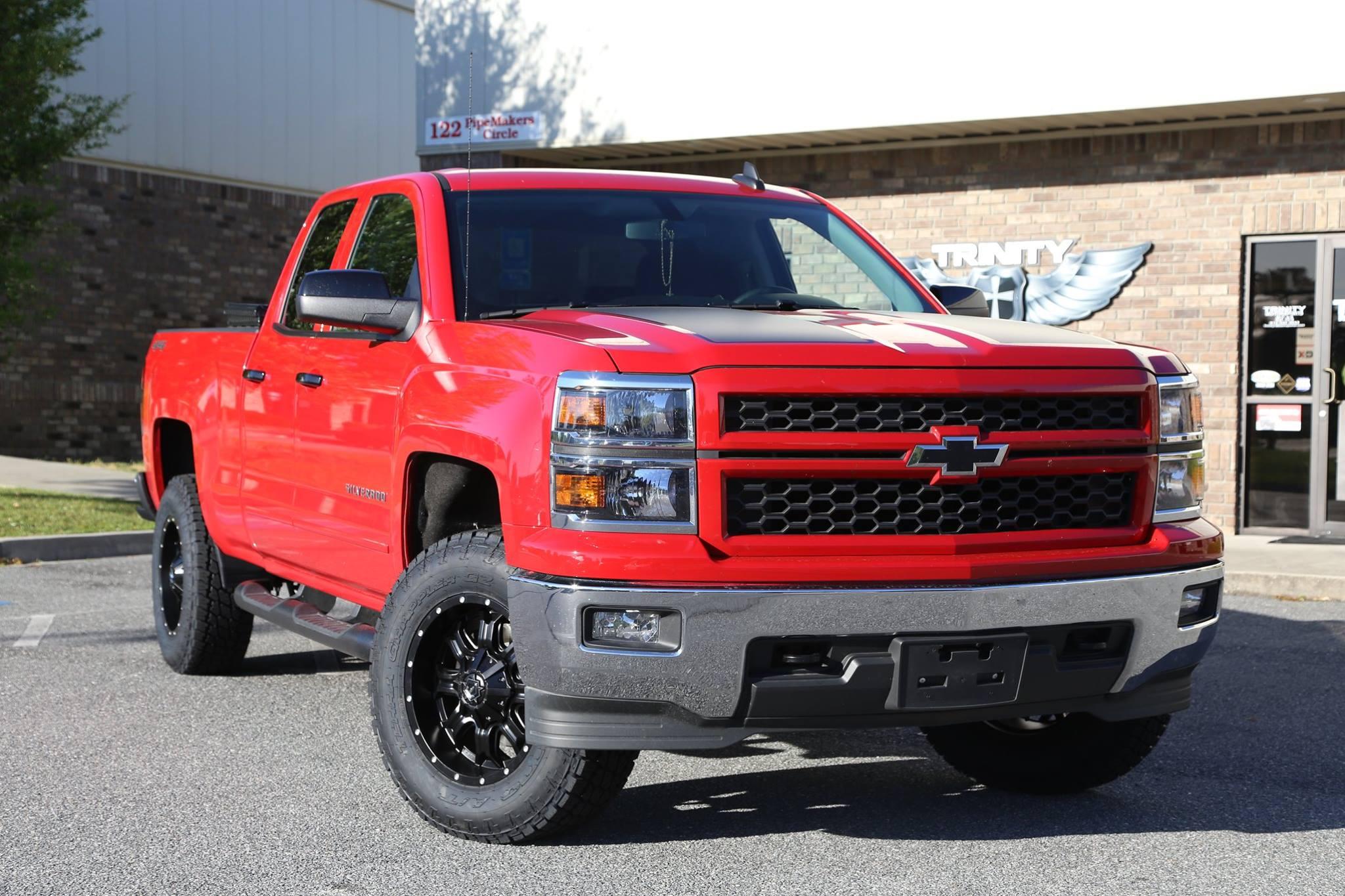 2015 Silverado 4wd 3 5inch lift on TIS wheels Trinity Motorsports