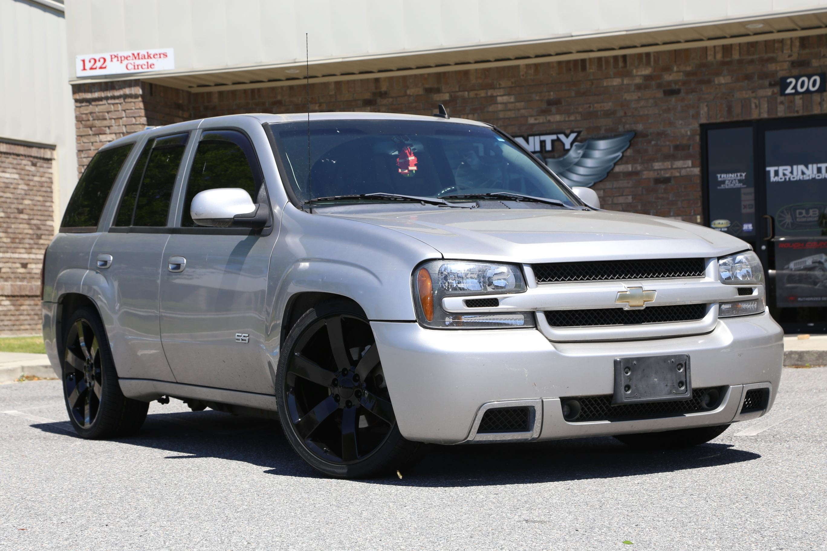Lowered 05 Trailblazer SS - Trinity Motorsports
